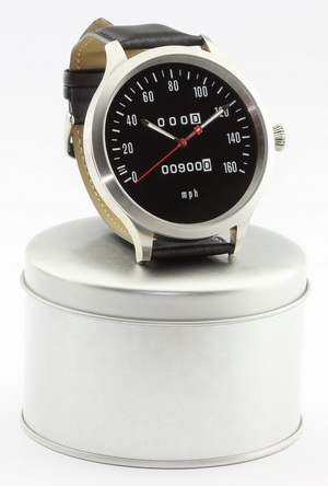 Z1, Z 900 und KZ 900 Caliber 65 speedometer watch with mph scale