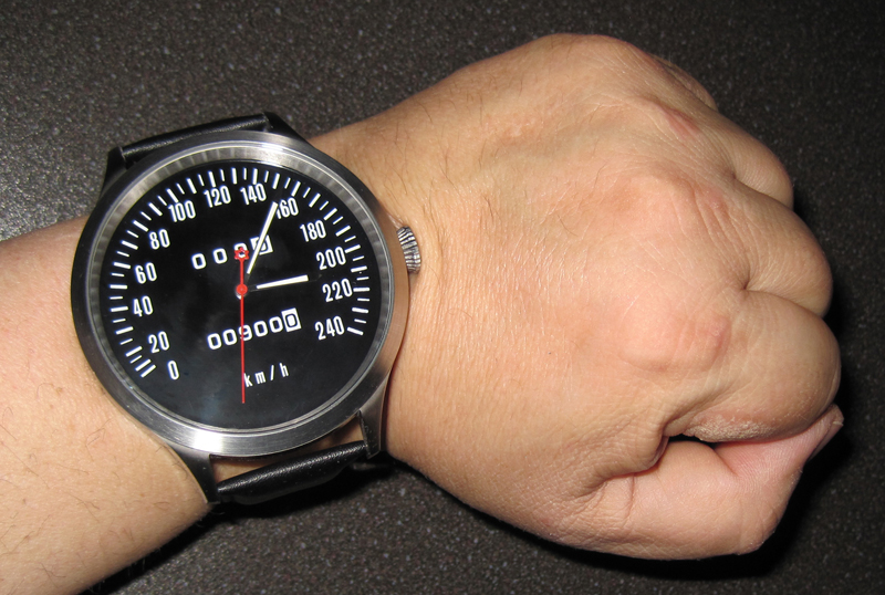Z1, Z 900, KZ 900 Caliber 65 speedometer watch with km/h dial